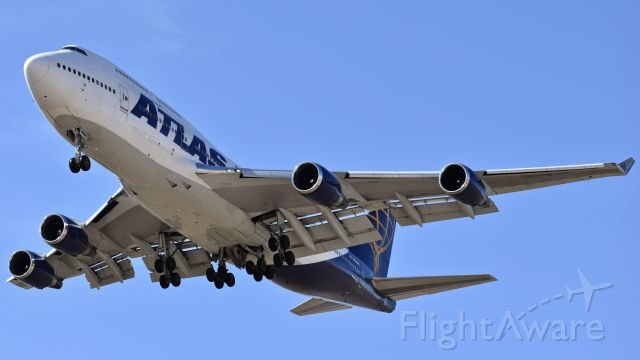 Boeing 747-400 (N464MC) - Atlas Air Boeing 747-446 on final for RWY 17L at Colorado Springs Airport