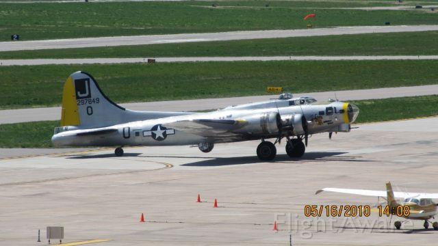 Boeing B-17 Flying Fortress (N370TH)
