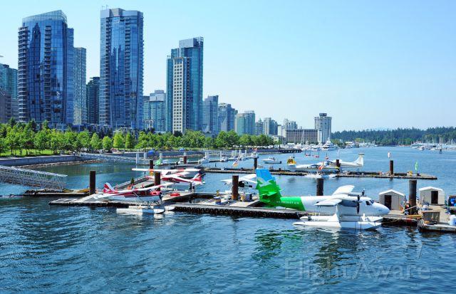 De Havilland Canada Twin Otter (C-FWTE) - Float plane spotters Paradise.
