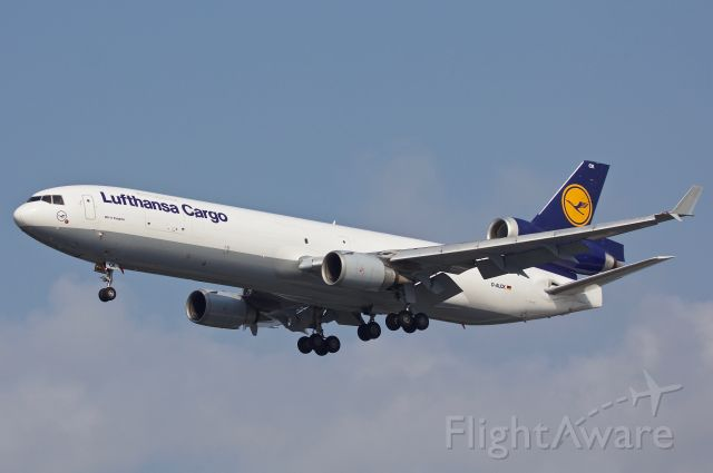 Boeing MD-11 (D-ALCK) - Enjoying these three hole birds while I can. On final to SeaTac