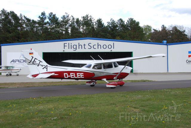 Cessna Skyhawk (D-ELEE) - Flugschule ARDEX GmbH