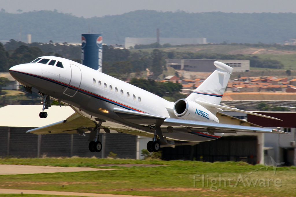 Dassault Falcon 2000 (N955SL)