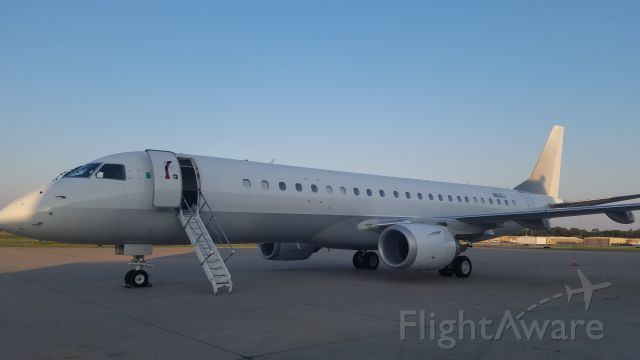 Embraer ERJ-190 (N65GJ)