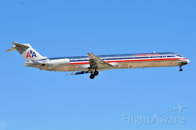 McDonnell Douglas MD-83 (N984TW) - The last of the line! A historically significant aircraft. The last MD-80 built by McDonnell-Douglas, shown arriving 23-R at KIND on 05-21-17. A true Mad-Dog Monday highlight.