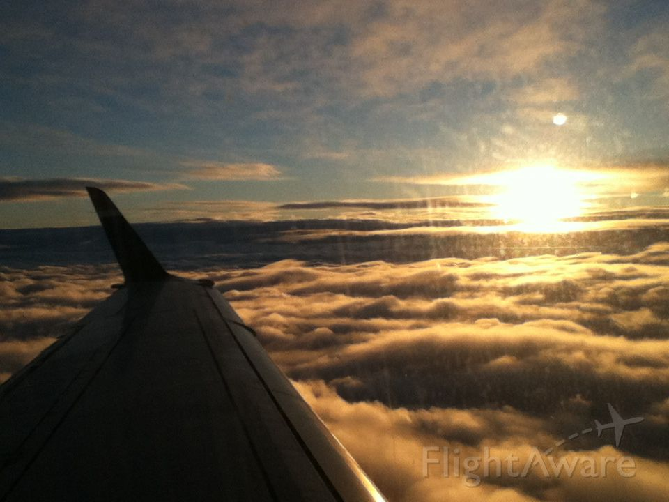 Embraer 170/175 — - Sunset approach into Halifax