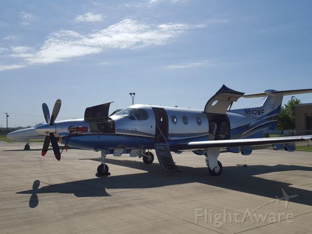 Pilatus PC-12 (N842WF) - Preflight