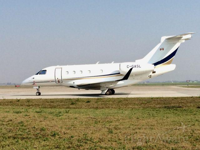 Embraer Legacy 450 (C-GASL) - CGASL Embraer Legacy 540 Jet.
