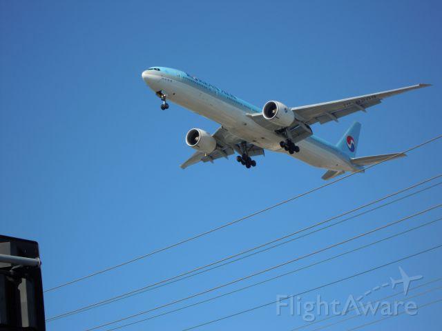BOEING 777-300 — - KOREAN AIR 777-300 LAX