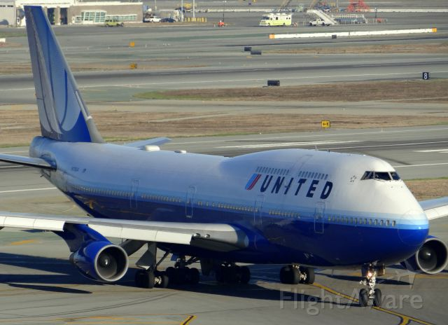 Boeing 747-400 (N178UA)