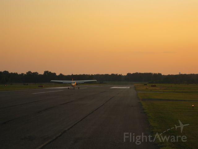 Cessna Skyhawk (N739UD)