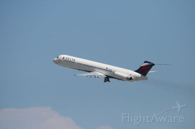 McDonnell Douglas MD-87 (N987DL)