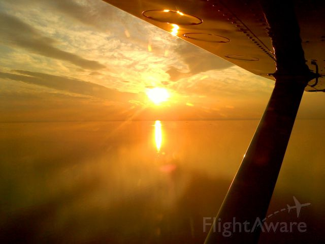 Cessna Skywagon (N6389E) - Dusk flight over the Delaware River KMIV to KWWD