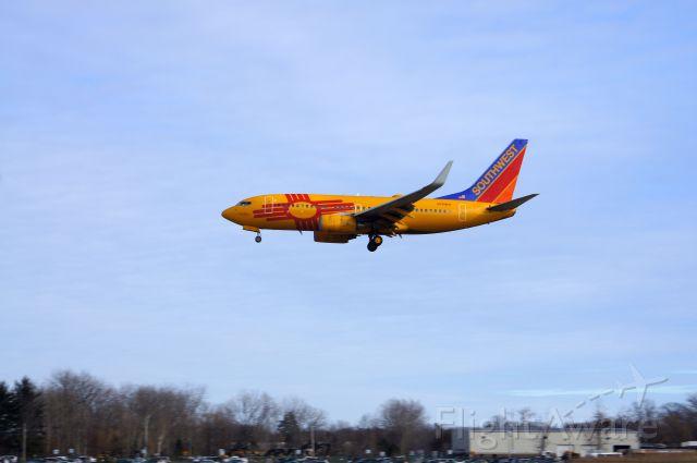 Boeing 737-700 (N781WN) - Landing on RWY 1