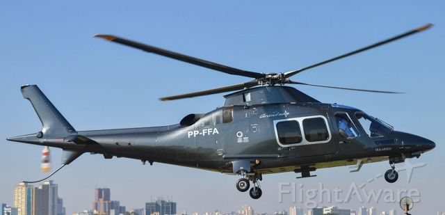 PP-FFA — - Em inicio de voo para Taxi particular.