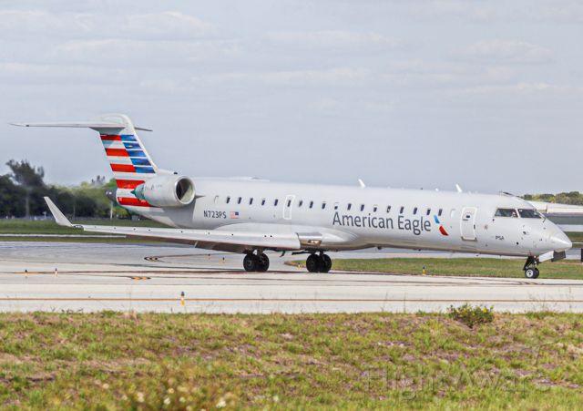 Canadair Regional Jet CRJ-700 (N723PS)
