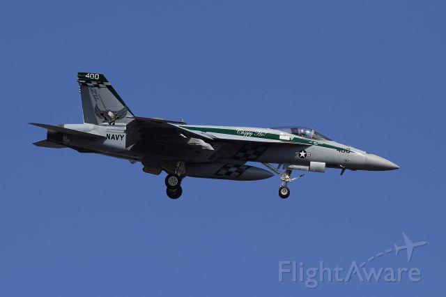 McDonnell Douglas FA-18 Hornet (16-6901)
