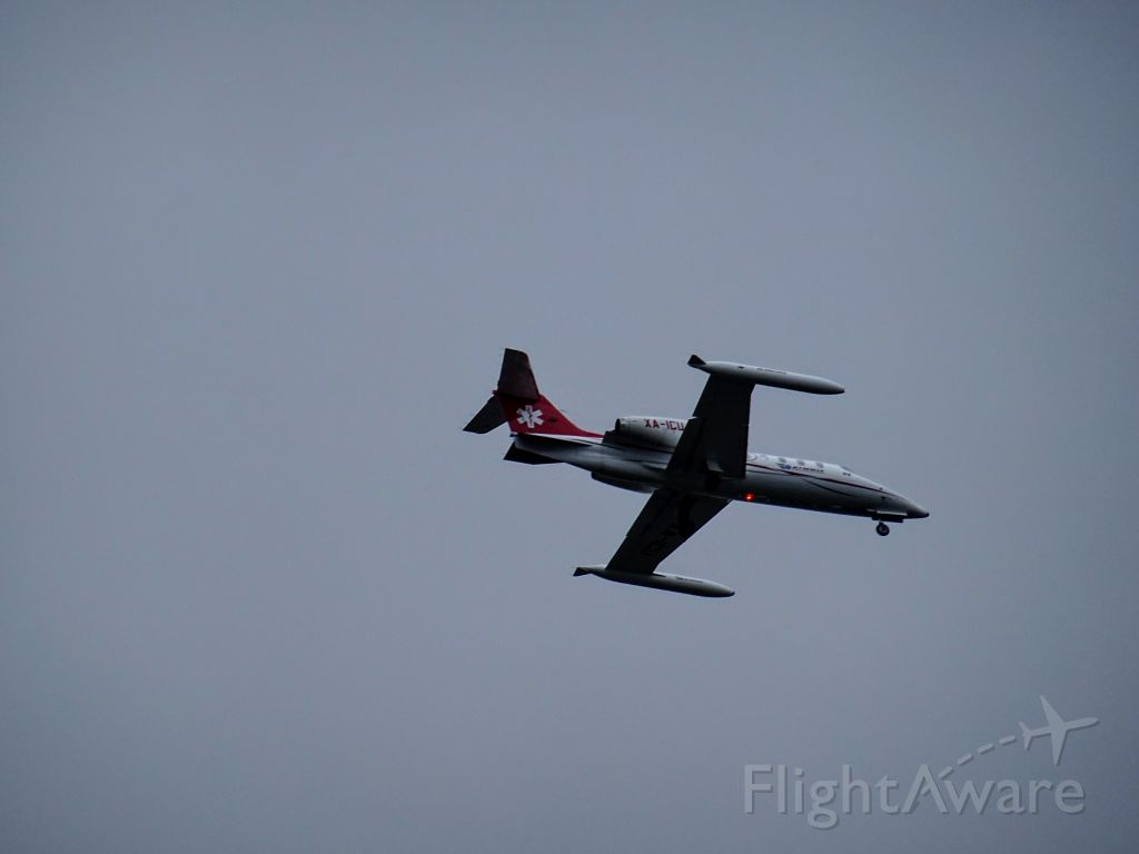 Learjet 35 (XA-ICU) - Mexican air ambulance coming in for landing at YQY.
