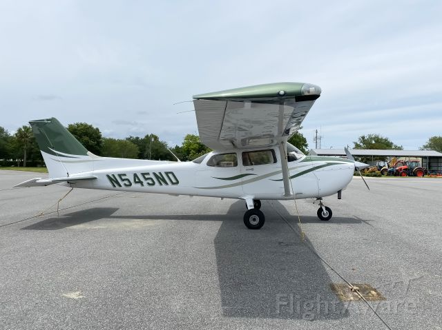 Cessna Skyhawk (N545ND)