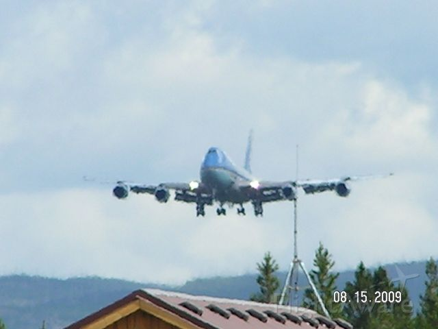 Boeing 747-200 (N29000) - Soon to be AFR1 on short final over FBO Yellowstone Aviation for KWYS