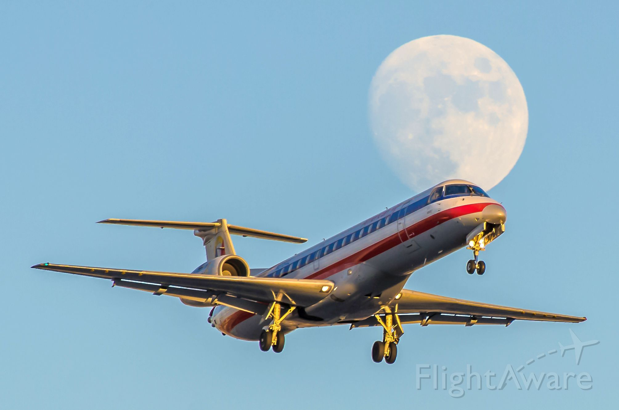 A818AE — - American Eagle (Envoy) A818AE ERJ-140LR