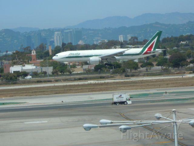Boeing 777-200 — - ALITALIA 777-200 LAX
