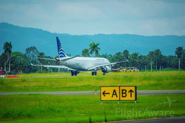 Embraer ERJ-190 — - Embraer E190 from Copa Airlines about to exit the runway in Santiago.