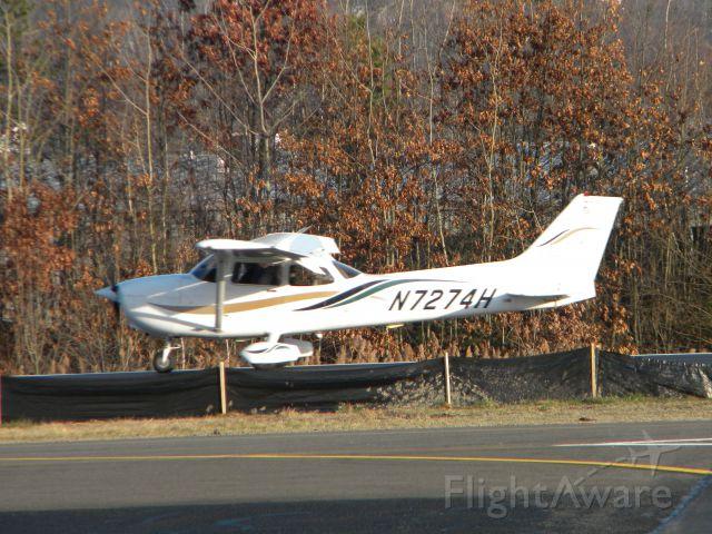 Cessna Skyhawk (N7274H)