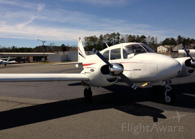 Piper Apache (N1328P)