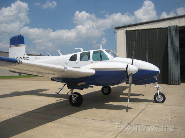 Beechcraft Twin Bonanza (N633F)