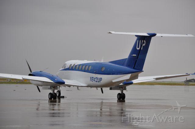 Beechcraft Super King Air 300 (N842UP)