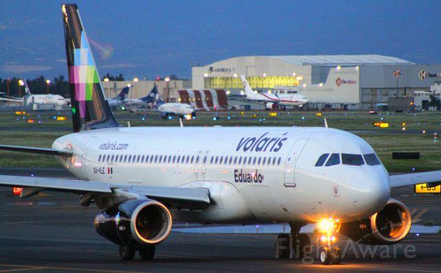 Airbus A320 (XA-VLE) - Licenciado Benito Juarezbr /Canon EOS-7D