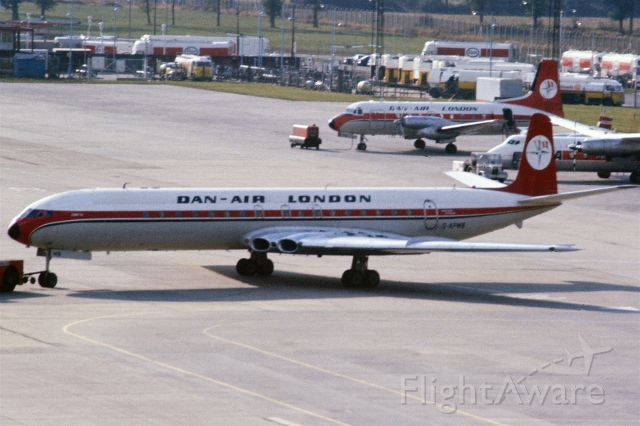 G-APMB — - 1975 at Gatwick