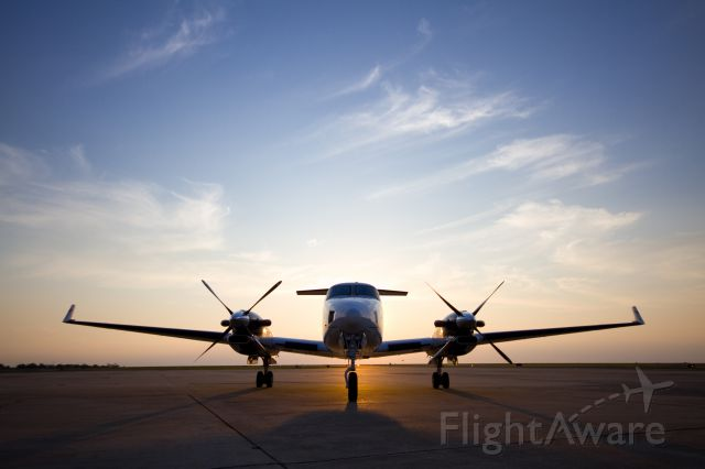 Beechcraft Super King Air 300 (N86GA)