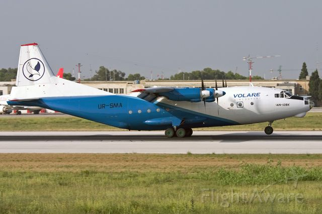 Antonov An-12 (UR-SMA)