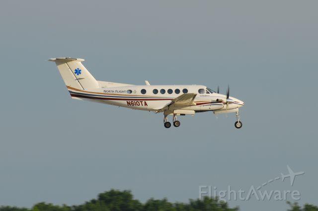 Beechcraft Super King Air 200 (N610TA)