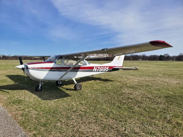 Cessna Skyhawk (N78195) - Mishawaka Pilots Club Rental Aircraft