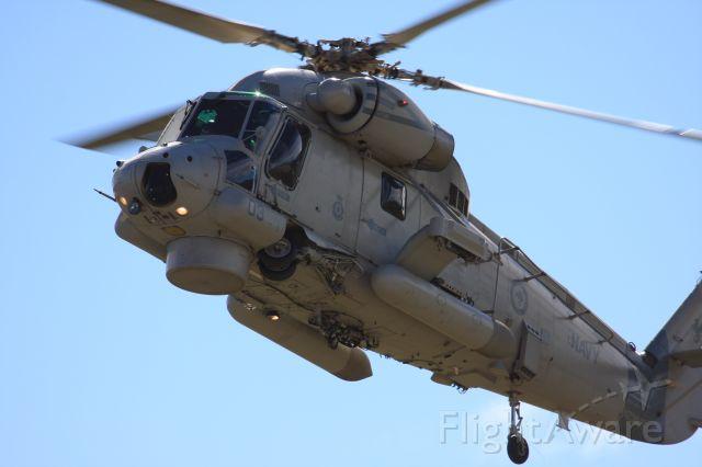 — — - RNZAF Seasprite SH-2G (Aircrew supplied by the Navy)