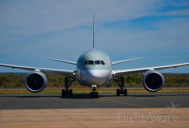 Boeing Dreamliner (Srs.8) (QTR1373) - Arriving in Namibia
