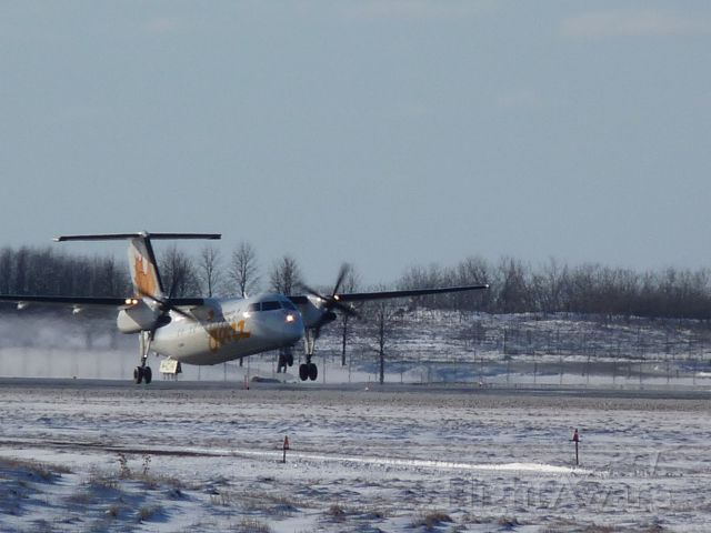 C-GJMI — - taking off of runway #07