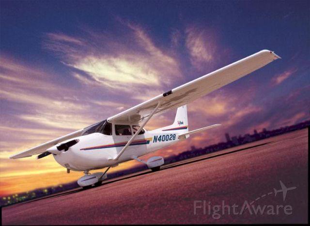 Cessna Skyhawk (N0028)