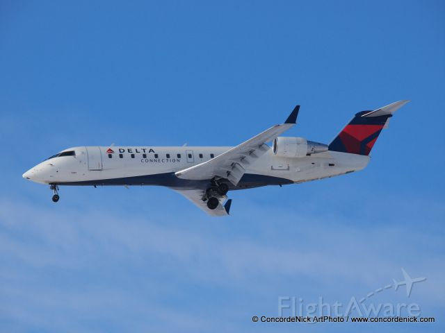 Canadair Regional Jet CRJ-200 (N864AS) - Spotting and experimenting with my camera!
