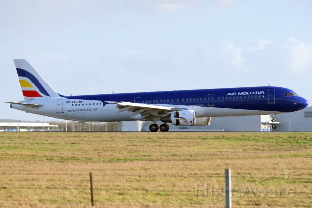 Airbus A321 (ER-AXR) - Touching down on rwy 22 on 1-Feb-20 operating flight MLD833 from LUKK.