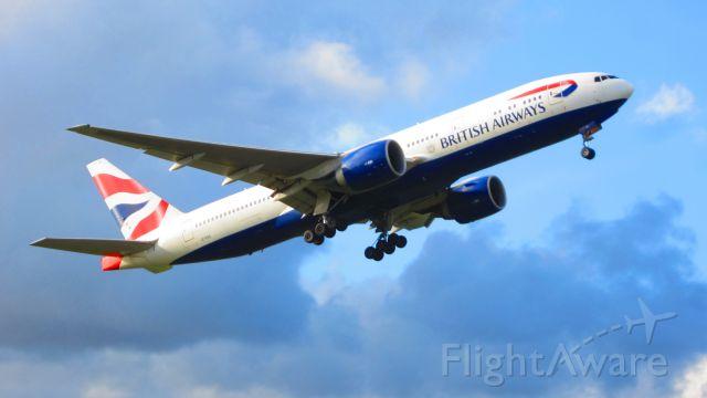 Boeing 777-200 (G-VIIX)