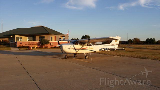 Cessna Skyhawk (N172WG) - On the ground at KSLR Sulphur Springs, Tx.