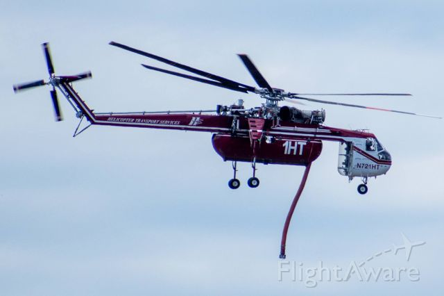 Sikorsky CH-54 Tarhe (N721HT) - Working the Loyalton Fire north of Truckee, CA - August 16, 2020