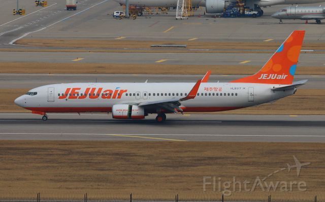 Boeing 737-800 (HL8317) - Jeju Air`s second direct ordered aircraft. It`s one of the 3 aircrafts that the airline owns. They placed an order for up to 50 737 MAXs with deliveries starting in 2022.