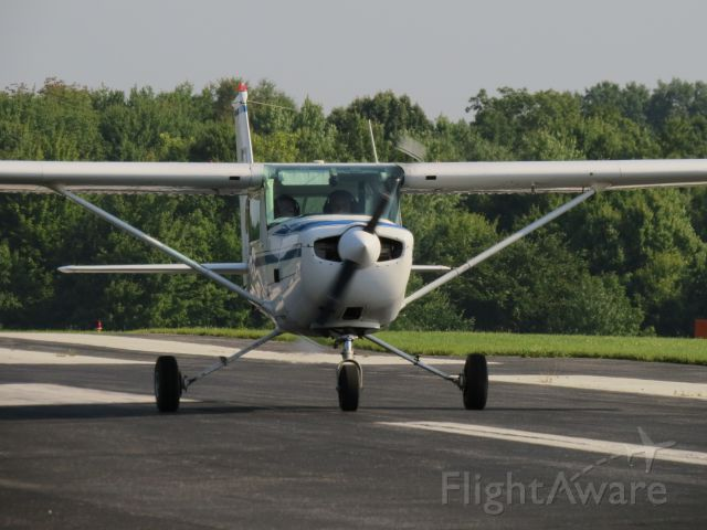 Cessna 152 (N95737) - Kent 13 on her take-off roll down RWY19 for landings practice.