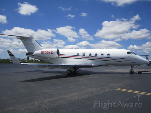 Bombardier Challenger 300 (N703VZ) - Verizon corporate Jet at Buffalo-Niagara Airport 6.13.12