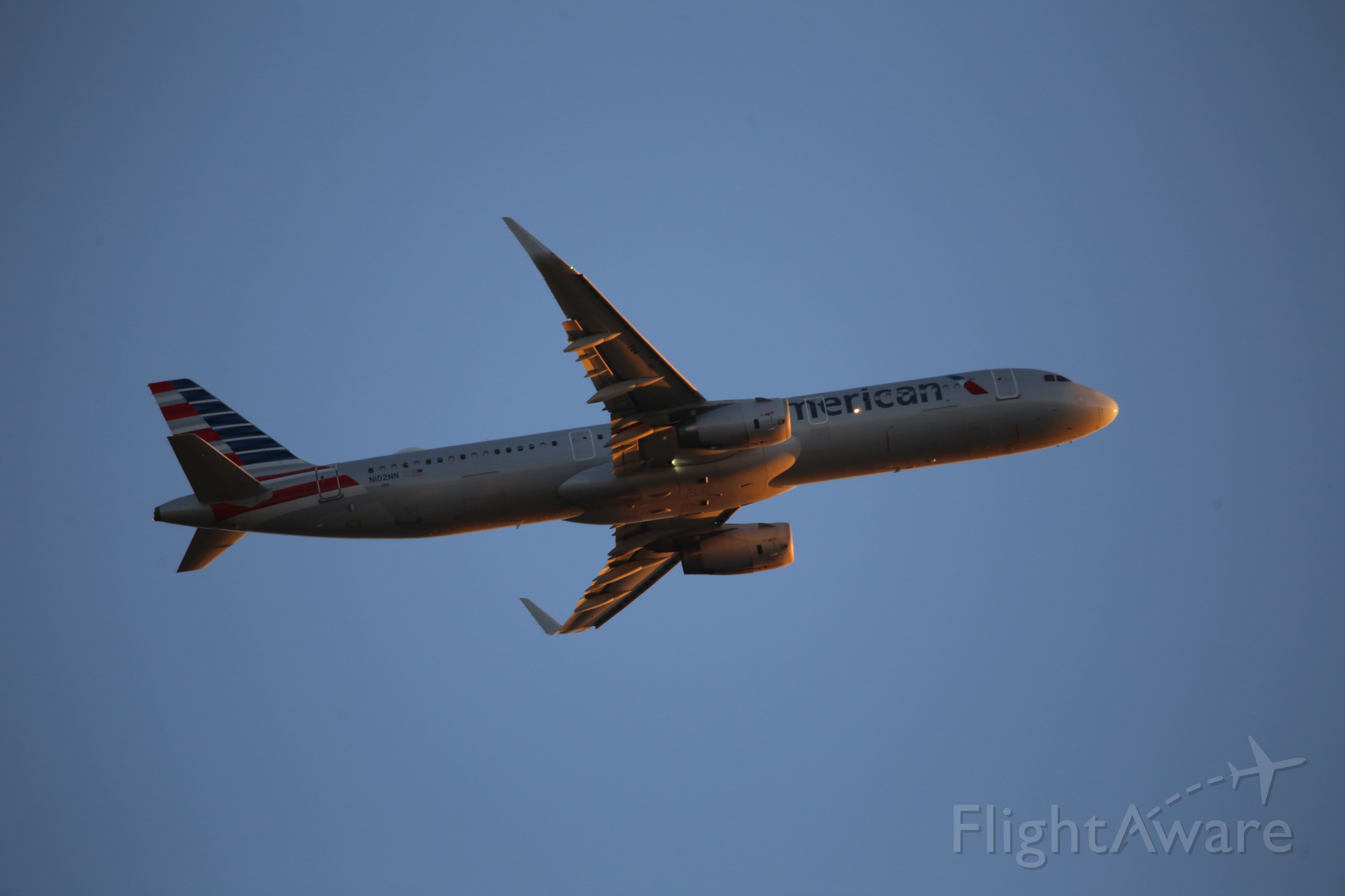 Airbus A321 (N102NN)