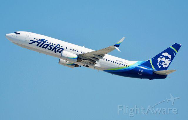 Boeing 737-800 (N581AS)